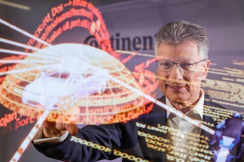 Continental CEO Dr. Elmar Degenhart